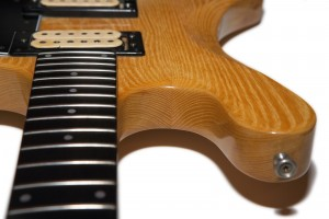 Guild-S300AD-1997-WoodJoint
